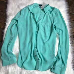 NWT The Limited Button Down in Tiffany Blue - S